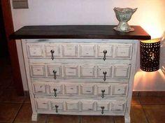 Compartir Publicar en Twitter + 1 Correo electrónico Os presento un mueble Castellano antiguo que he decido recuperar y darle el Estilo Shabby Chic ...