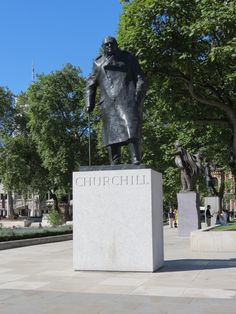 "Winston Churchhill's famous words ""we will never surrender"" Great leader...commonsensesuccess.net"