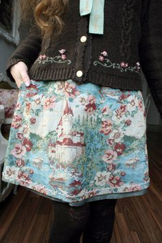 And another early October outfit! Skirt: Jane Marple Cardigan: Axes Femme…