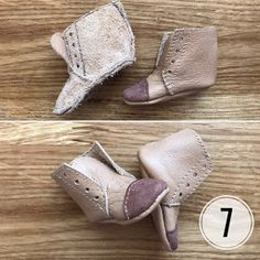 No photo description available. Doll Shoe Patterns, Clothing Patterns, Homemade Shoes, Doll Shoes, Diy Doll, Diy Clothing, Doll Accessories, Heeled Mules, Doll Clothes