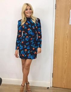Holly Willoughby sparks meltdown as she puts on VERY leggy display in thigh-skimming dress Holly Willoughby Legs, Holly Willoughby Outfits, Holly Willoughby Instagram, Stylish Outfits, Cute Outfits, Stylish Clothes, Blonde Women, Maje, Work Wardrobe