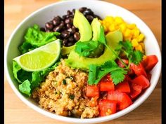 15 Minute Quinoa Burrito Bowls. This is super easy to make and is perfect for Taco Tuesday!   Tastefulventure.com