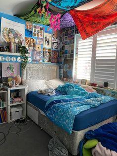 Cosy Bedroom Decor, Bedroom Inspo, Bedroom Ideas, Tapestry Ceiling, Light Oak Furniture, Bedside Table Ikea, Ikea Malm, Aesthetic Bedroom, Owl House