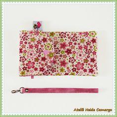 Porta Celular Floral em Rosa e Verde