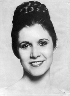 Carrie Fisher - Princess Leia - Star Wars - A New Hope Debbie Reynolds Carrie Fisher, Carrie Frances Fisher, Star Wars Film, Star Wars Art, Dark Vader, Starwars, Leia Star Wars, Han And Leia, Star Wars Episode Iv