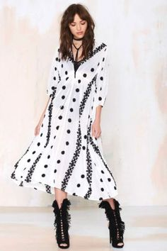 NEW-NWT-ANTHROPOLOGIE-WHITE-BLACK-EMBROIDERED-MAXI-DRESS-STUNNING-M-L