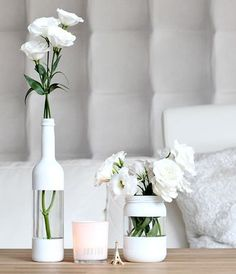 Cool painting ideas for DIY glass vases - cool painting idea for DIY vase in wh. - El yapımı ev dekorasyonu - Cool painting ideas for DIY glass vases – cool painting idea for DIY vase in white – - Diy Upcycled Planters, Recycled Decor, Recycled Crafts, Garrafa Diy, Wine Bottle Crafts, Diy Bottle, Diy Crafts Bottles, Jar Crafts, Bottles And Jars