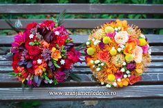 Buchete de mireasa si nasa Wedding Bouquets, Wedding Flowers, Floral Wreath, Wreaths, Weddings, Bridal Bouquets, Flower Crowns, Wedding, Deco Mesh Wreaths