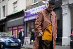 With London's womenswear week in full swing,Highsnobietydrops another round of sartorial flexing straight from the British capital.