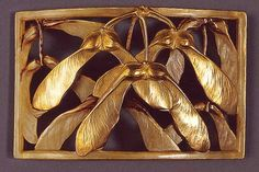Maple seed brooch in carved horn and metal by Lucien Gaillard (1861 - after 1945) - Metal artist and one of the leading jewelers of his time. Turned to the small forms of jewelry on the advice of the great master and his friend Rene Lalique  |  dekorata.ru