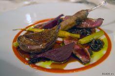 Vinsanto: vinsanto con pimiento dulce rojo, salsa de tomate, remolacha, cibreo con apaki, horneado de zanahoria y puerro - Descubrir Santorini