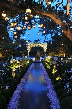 Wedding Light Ideas That Glow Magnificent ❤ See more: http://www.weddingforward.com/wedding-light-ideas/ #weddingforward #bride #bridal #wedding
