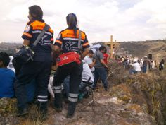 First In  EMS y Fire de Meret cubriendo servicio con los Profesionales de Ambulancias Medical Health Querétaro el pasado Viernes Santo durante la Pasión de Cristo.  EMS Mexico  | Equipando a los Profesionales