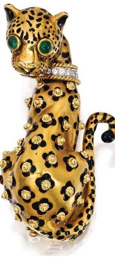 18 Karat Gold - Platinum - Emerald and Enamel Leopard brooch by David Webb