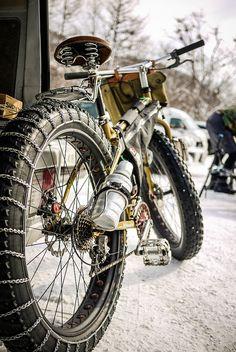 Bicycle snow chains on a Surly Pugsley (Jozankei, Hokkaido, Japan)