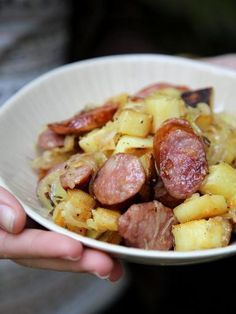 Pan-fried potatoes and smoked sausage Cooking Recipes, Healthy Recipes, Potato Recipes, Food Inspiration, Love Food, Food Porn, Dinner Recipes, Food And Drink, Yummy Food