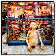 Vintage E.T.s at a nightmarket in Bangkok via @Amélie Hurtaud Pushain