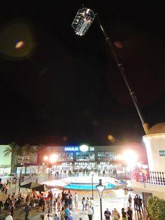 Welcome con espectadores y Dinner in the sky a 50 metros encima de ellos