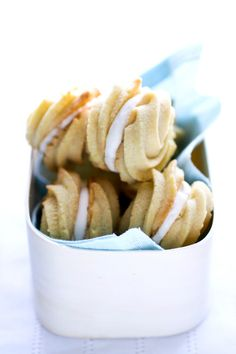 Lemon Cream Cookies #EllaBellaBee9