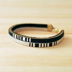Leather bracelet in b