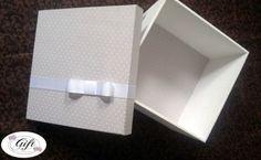 Caixa poá cinza e arabesco branco