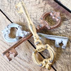 Brilliant Rustic Keys, the perfect Barn Style Wedding Favor ⭐️ Unique Bottle Openers, Key Bottle Opener, Rustic Wedding Favors, Stocking Stuffers, Small Businesses, Washer Necklace, Keys, Arrow Necklace, Barn