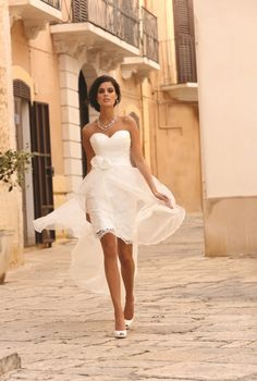 Cheap dress up gown, Buy Quality gown wedding dress directly from China dress flower Suppliers: White Lace Appliques Short Sheath Beach Wedding Dress vestido de noiva 2016 Sweetheart Bridal Wedding Gowns with Flo Wedding Robe, Lace Beach Wedding Dress, Wedding Gowns, Civil Wedding, Lace Wedding, Sweetheart Bridal, Kids Gown, Dream Dress, Bridal Collection