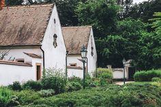 Itt a csend és béke honol 🌿  #canoneos70d   #kamalduliremetes ég  #silence   #faith   #vowofsilence   #history   #monastery   #Majk   #selfsufficientcommunity   #ig_hungary   #ig_worldclub   #ig_magyarorsz ág  #ig_hun   #ikozosseg   #mik   #travelhungary   #oldgarden   #authentichouses   #loves_hungary   #countrylife   #countryside   #peaceful