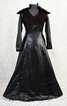 Black Feather Dress- Game of Thrones/ Sansa Stark inspired - Size Black Feather Dress, Black Feathers, Game Of Thrones Sansa, Dark Queen, Faux Leather Fabric, Sansa Stark, Medieval Dress, Bias Tape, Neck Piece