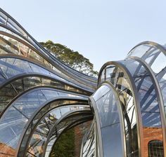 Bombay Sapphire by Thomas Heatherwick - photographed by Hufton and Crow Tectonic Architecture, Facade Architecture, Studios Architecture, Organic Architecture, Bombay Sapphire Gin, Thomas Heatherwick, Gin Distillery, Hampshire Uk, Harper's Bazaar