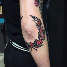 Resultado de imagem para old school elbow tattoo