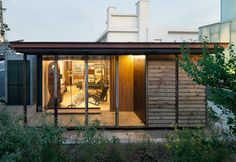 Jean Prouvé, Pioneer of Prefab Construction: Prefabricated and Dismantable Houses Prefab Cabins, Prefabricated Houses, Prefab Homes, Modular Homes, Emergency House, Jean Prouve, Life Space, Perriand, Construction