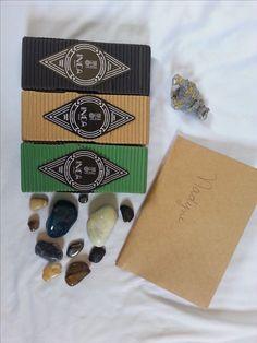 Eu recebi 3 kits de incensos da Inca Aromas, empresa que produz incensos feitos de forma 100% natural.