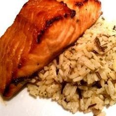 An easy-to-make marinade enhances broiled salmon with the sweet-spicy flavors of brown sugar, soy sauce, olive oil, lemon juice, red pepper flakes, garlic and onion powders, and fresh cilantro.