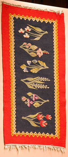 Textiles:Kilims: The weaving is slit tapestry ; Christine Brown on Romanian Textiles. Contemporary Decorative Art, Weaving Textiles, Naive Art, Textile Artists, Woven Rug, Flower Art, Folk Art, Bohemian Rug, Tapestry