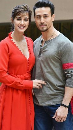 Are you finding Height, Weight, Wiki, Age, Family Biography etc of Tiger Shroff? Bollywood Couples, Bollywood Stars, Bollywood Fashion, Beautiful Girl Indian, Most Beautiful Indian Actress, Tiger Shroff Body, Disha Patni, Bollywood Pictures, Tiger Love