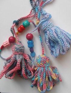 Crochet tassels   Flickr - Photo Sharing! http://tintocktap.blogspot.in/search/label/crochet