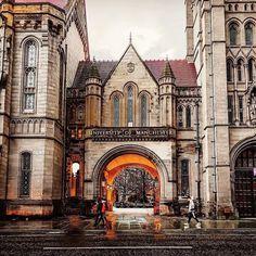 University of Manchester Beautiful World, Beautiful Places, Places To Travel, Places To Visit, University Of Manchester, Dream School, Photo Location, Study Abroad, Travel Photography