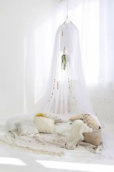 Vicky's Home: DIY How to make a mosquito net / DIY How to make a tent napping