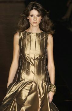 Maska at Milan Fashion Week Spring 2003 - Runway Photos Claire Fraser, Jamie And Claire, Outlander Characters, Haute Couture Looks, Caitriona Balfe, Different Styles, Catwalk, Runway, Sam Heughan
