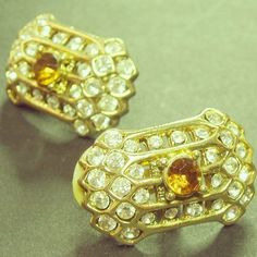 #vintage #1980s #80s #earrings #vintagejewelry #costumejewelry  #vintagejewellery