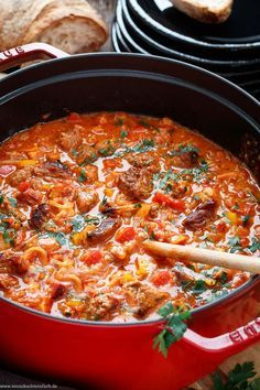 Party pound for twelve - a simple party meal - emmi .- Party Pfundstopf für zwölf – ein einfaches Partyessen – emmikochteinfach Party pound for twelve Easy One Pot Meals, Easy Healthy Dinners, Healthy Dinner Recipes, Brunch Recipes, Meat Recipes, Breakfast Party, Easy Party Food, Easy Healthy Breakfast, Casserole Recipes
