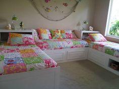Las camas en las pasarelas.
