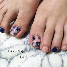 The numerous styles allow your toe nails to be perfect for any occasion and match your mood, image, and personality. Try these toe nail art! Perfume Prada, Perfume Diesel, Perfume Store, Perfume Tommy Girl, Perfume Good Girl, Make Up, Canela, Toe Nail Art, Toe Nail Designs
