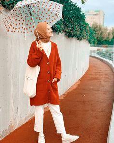 Casual Hijab Outfit, Hijab Chic, Ootd Hijab, Street Hijab Fashion, Muslim Fashion, Modest Dresses, Casual Dresses, Vintage Dresses, Vintage Outfits