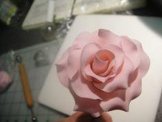 ~ Sugar Teachers ~ Cake Decorating and Sugar Art Tutorials: How to make a Long Stemmed Sugarpaste Rose