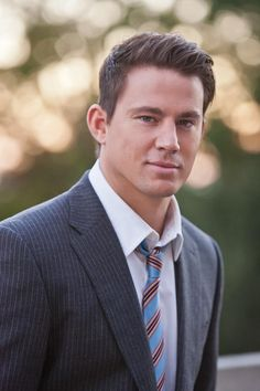 Channing tatum flawless man he melts my heart❤ Channing Tatum, Coach Carter, Magic Mike, Rachel Mcadams, Cinema, Suit And Tie, Celebrity Crush, Celebrity Guys, Moda Masculina