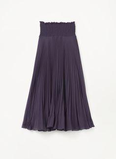 Flattering and feminine—the perfect pleated skirt