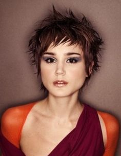 Short Choppy Hairstyles For Women | Choppy short razorcut hairstyle razorcut with random layers