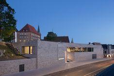 Museumsareal mit Neubau und Baudenkmal Lübecker Burgkloster